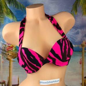 ! Victoria's Secret bombshell miraculous swim top